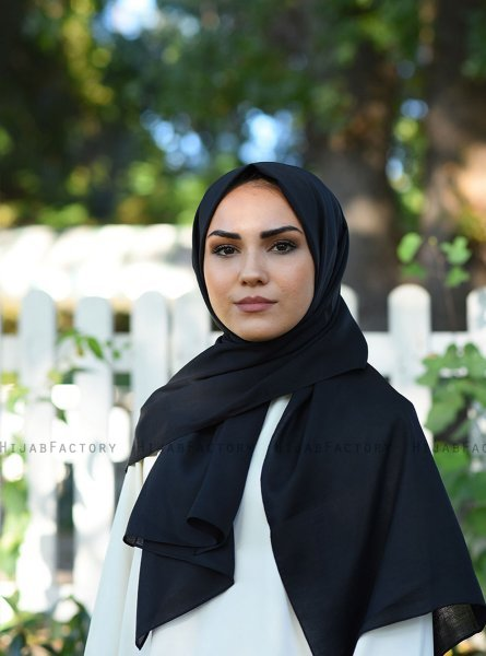 Alida - Black Cotton Hijab - Mirach